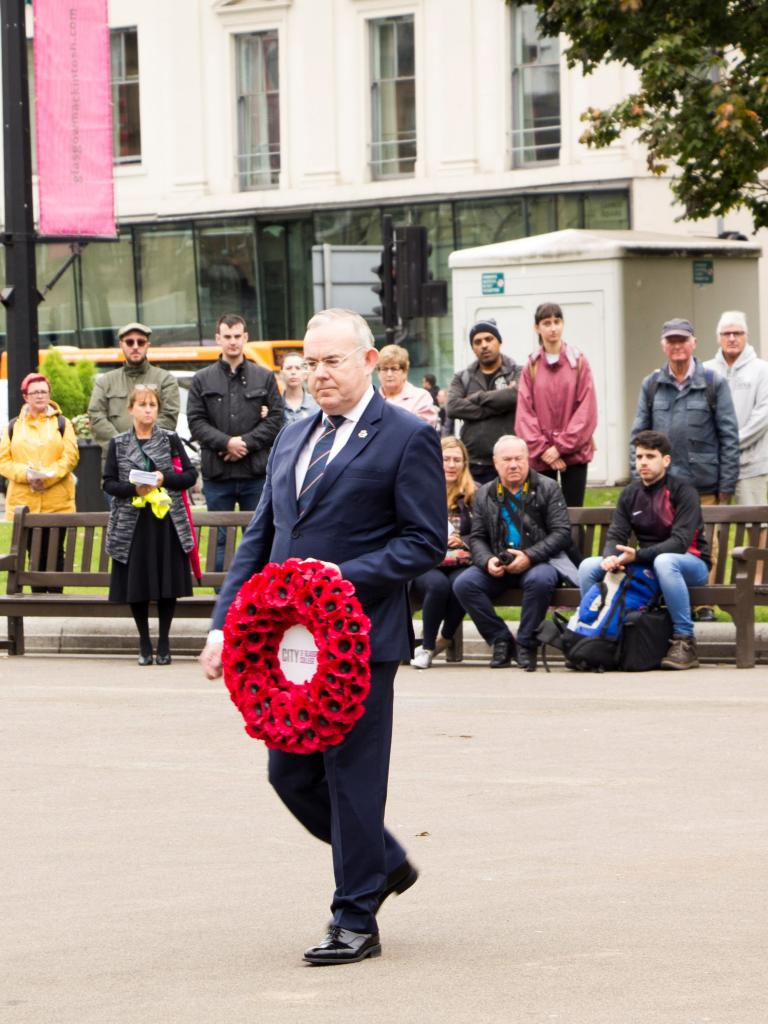 Principal Paul Little lays wreath for Merchant Navy Day