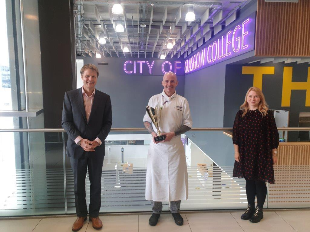Image of chef lecturer Robbie Phillips winning Hospitality Educator CIS Excellence Award