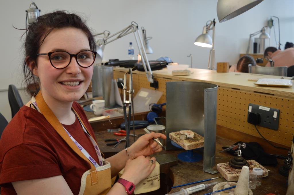Laura Porteous, HND Jewellery Design