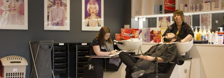 Hairdressing course classroom glasgow